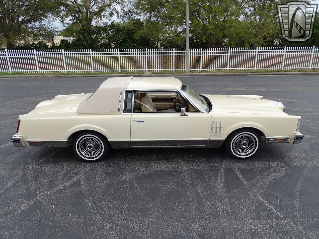 1983 Lincoln Continental 76