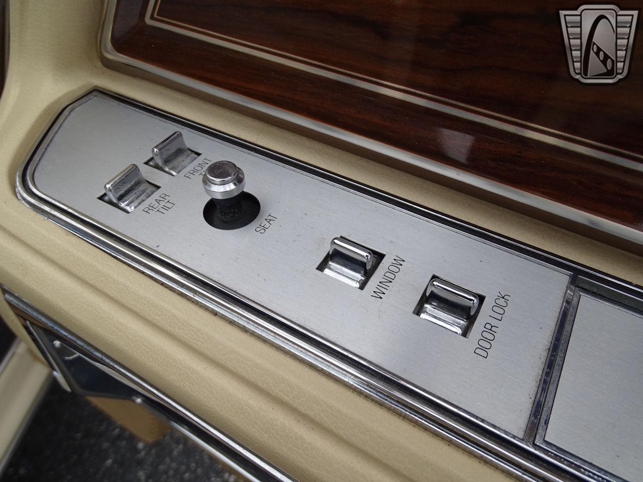 1983 Lincoln Continental 87