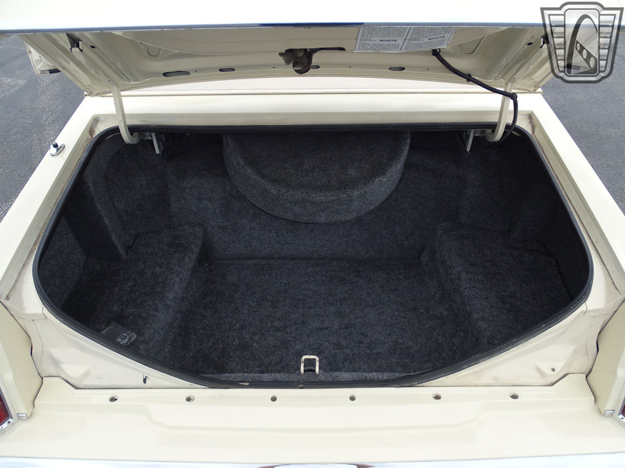 1983 Lincoln Continental 99