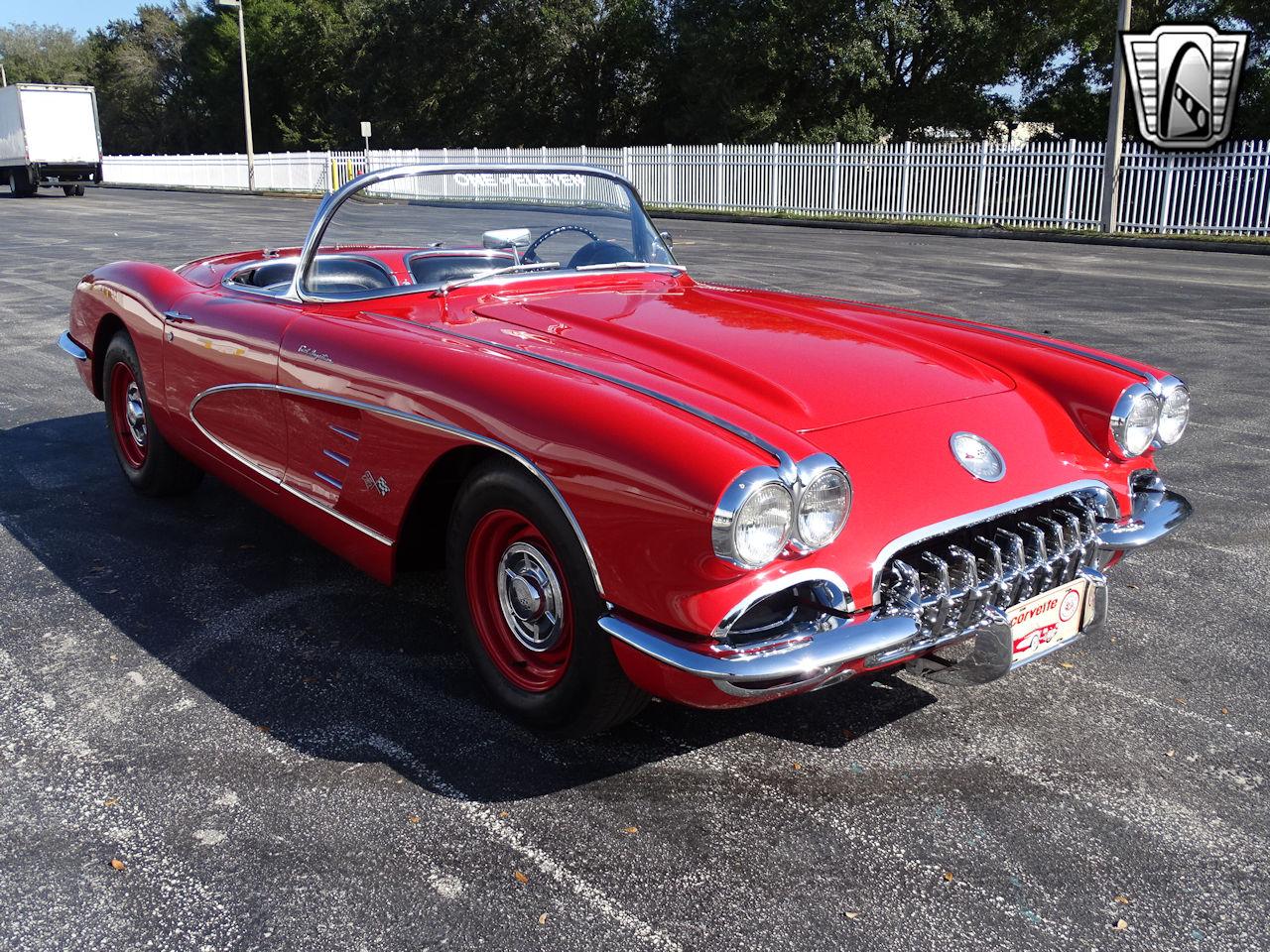 1960 Chevrolet Corvette 4