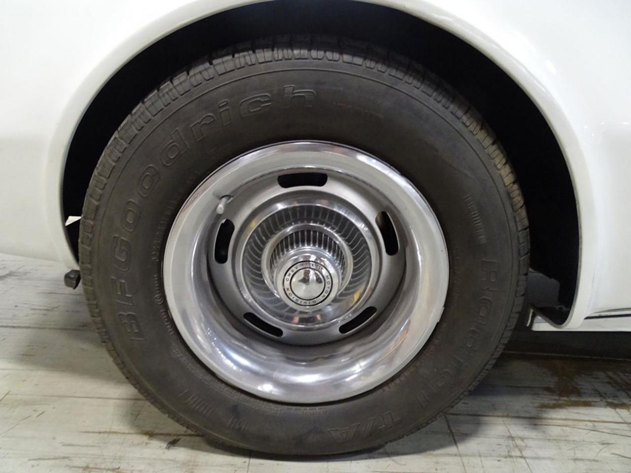 1974 Chevrolet Corvette 23