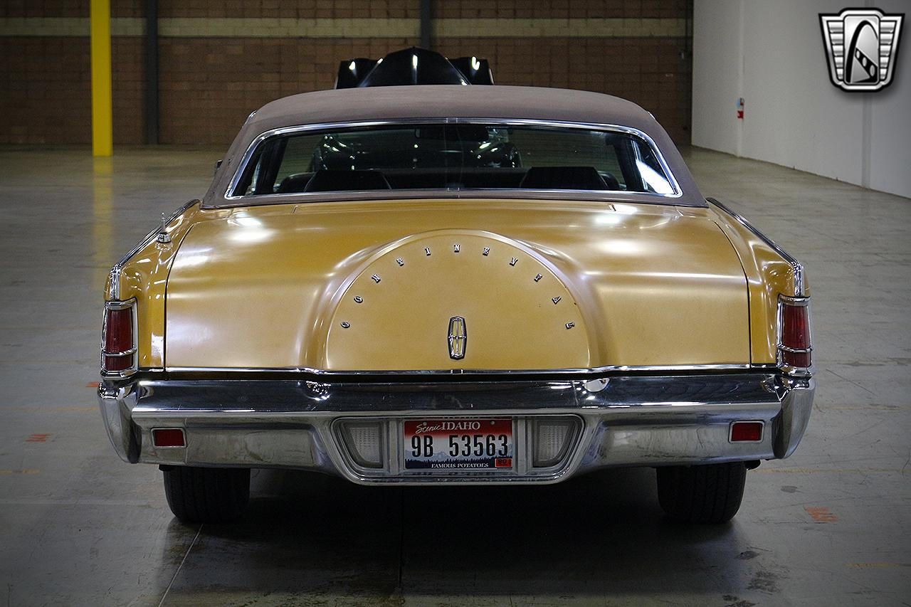 1971 Lincoln Continental 9