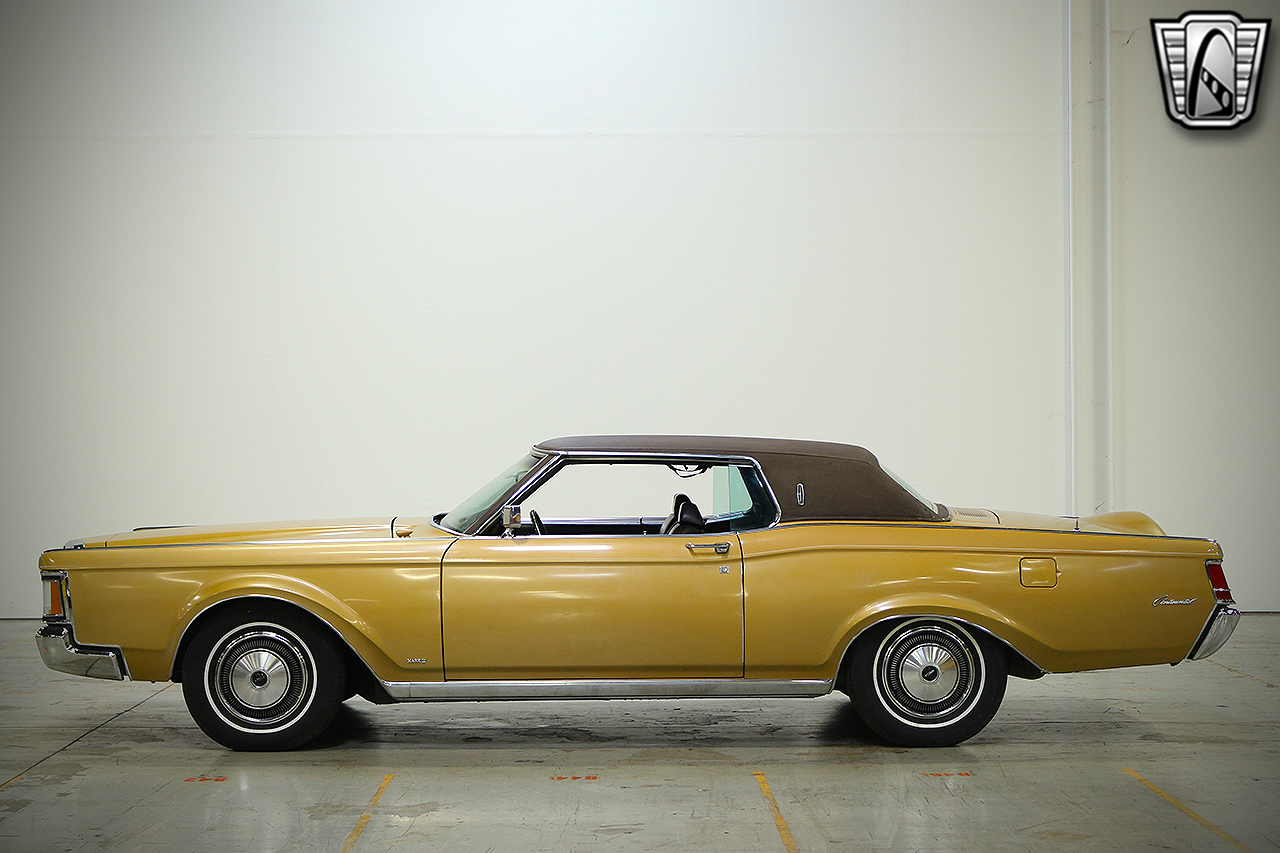 1971 Lincoln Continental 13