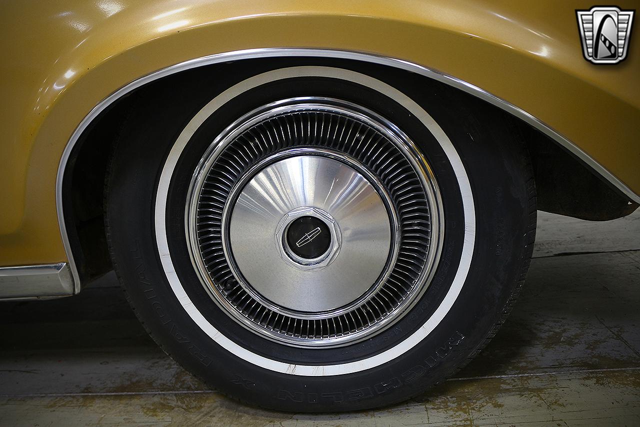 1971 Lincoln Continental 16
