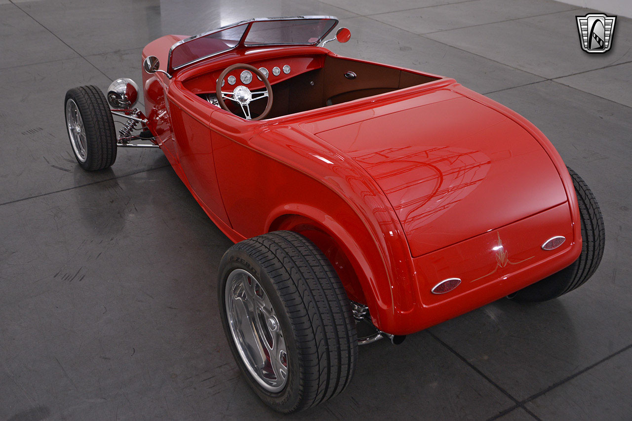 1932 Ford Roadster 16