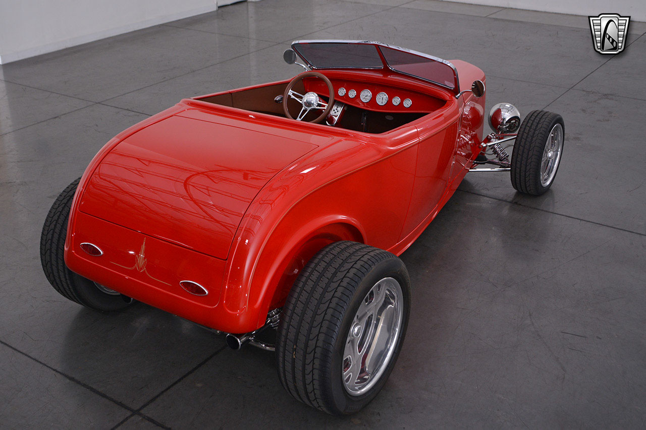 1932 Ford Roadster 26