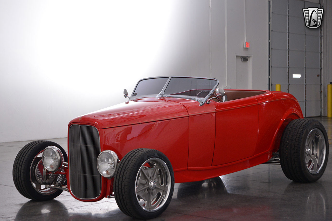 1932 Ford Roadster 44
