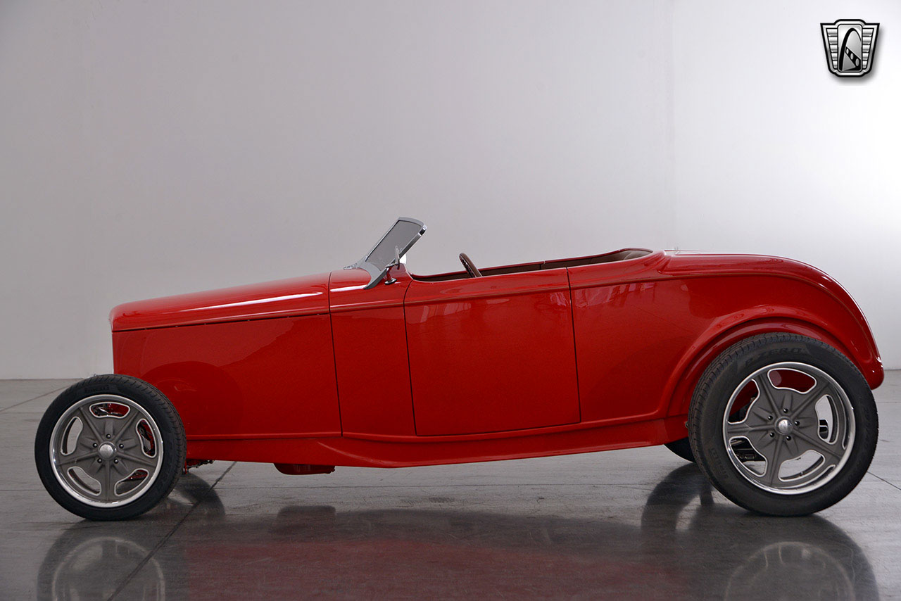 1932 Ford Roadster 48