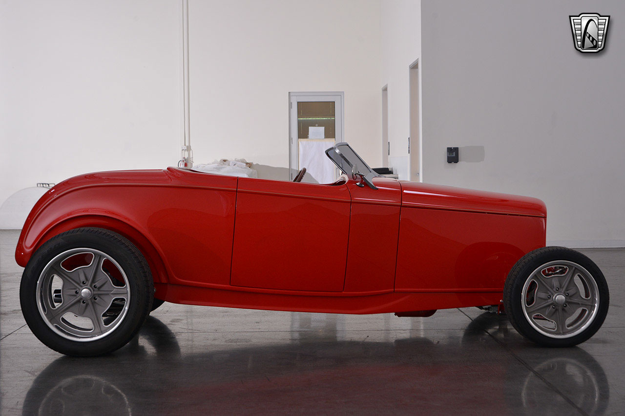 1932 Ford Roadster 64