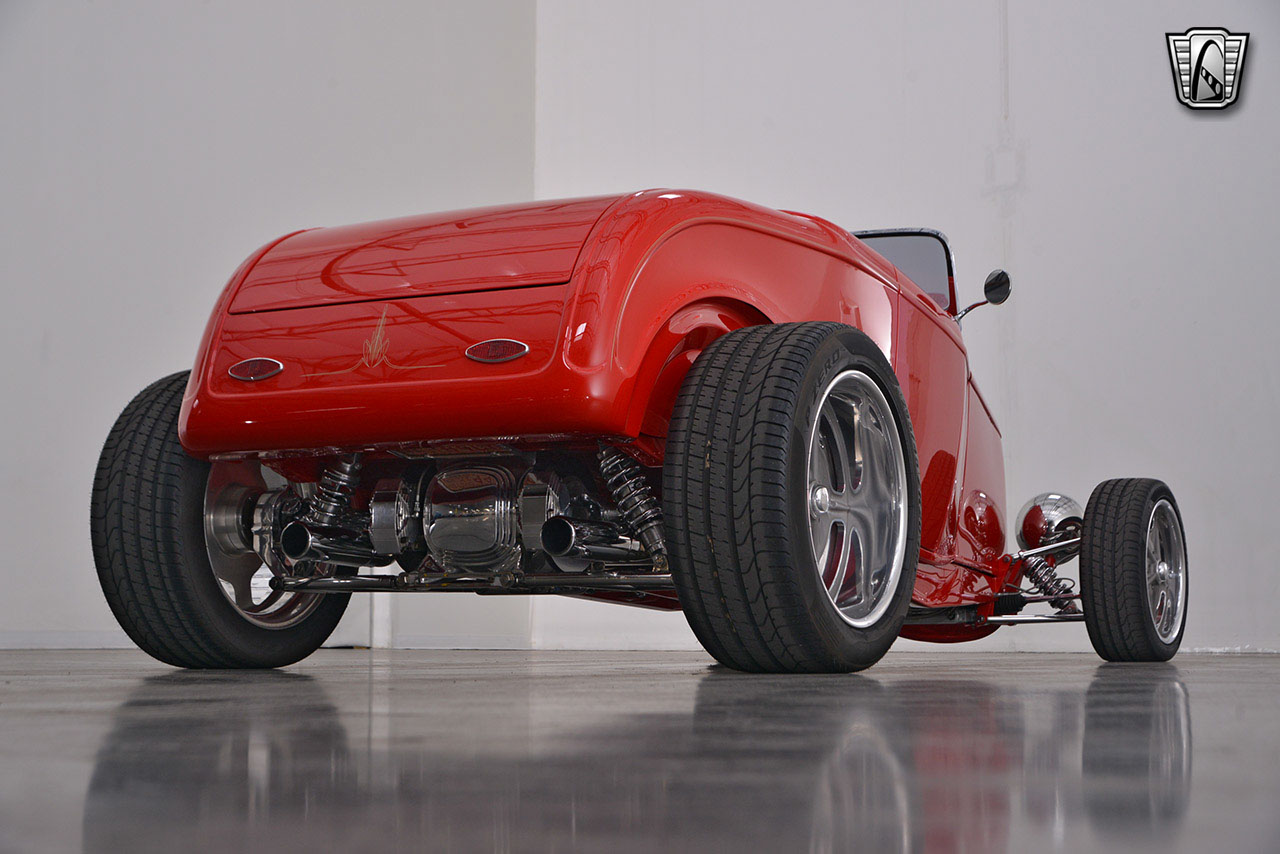 1932 Ford Roadster 92