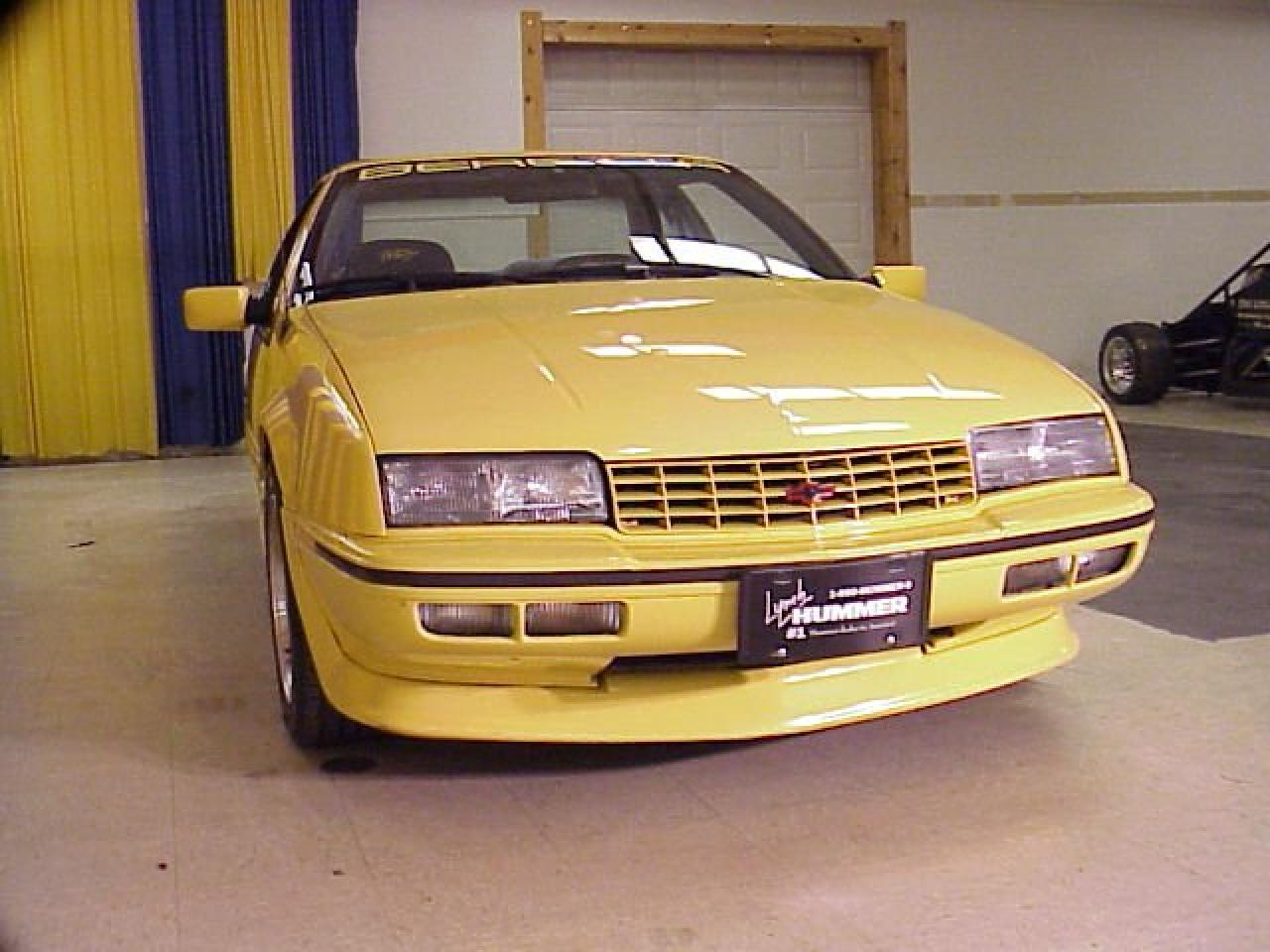 xcellent original 1990 indy pace car replica with all indy markings  #A48527