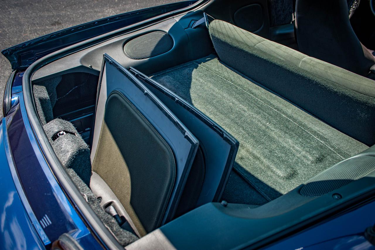 2002 Chevrolet Camaro 86