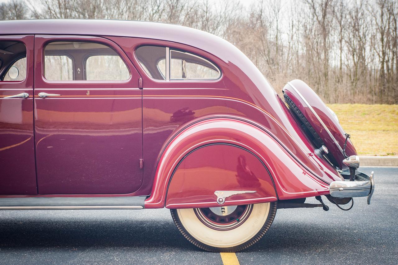 1935 Chrysler Imperial 20