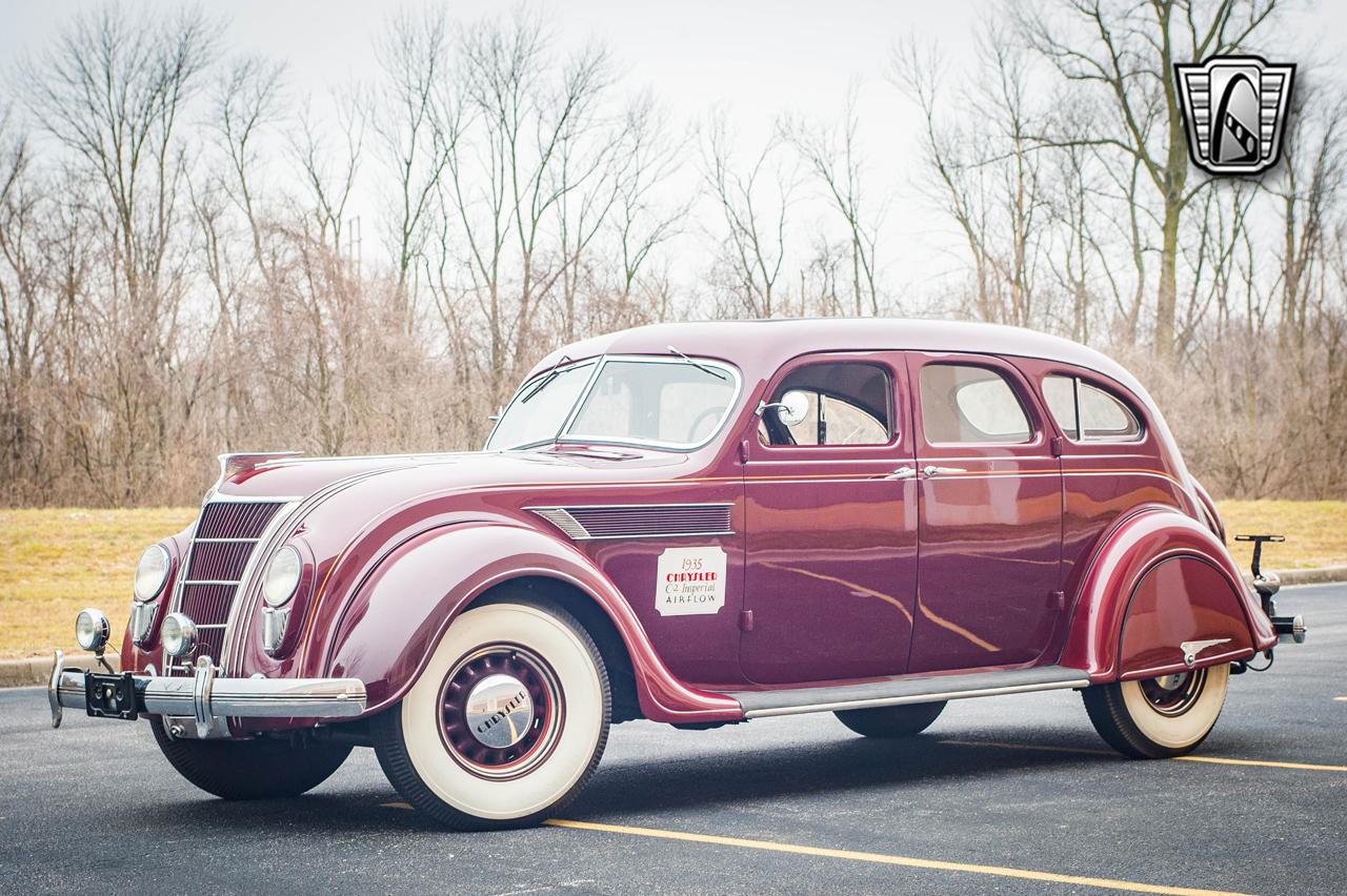 1935 Chrysler Imperial 2