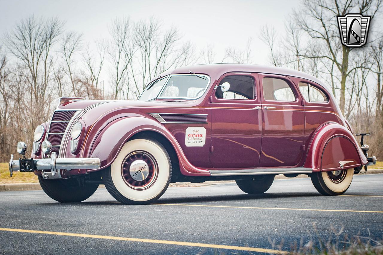 1935 Chrysler Imperial 3