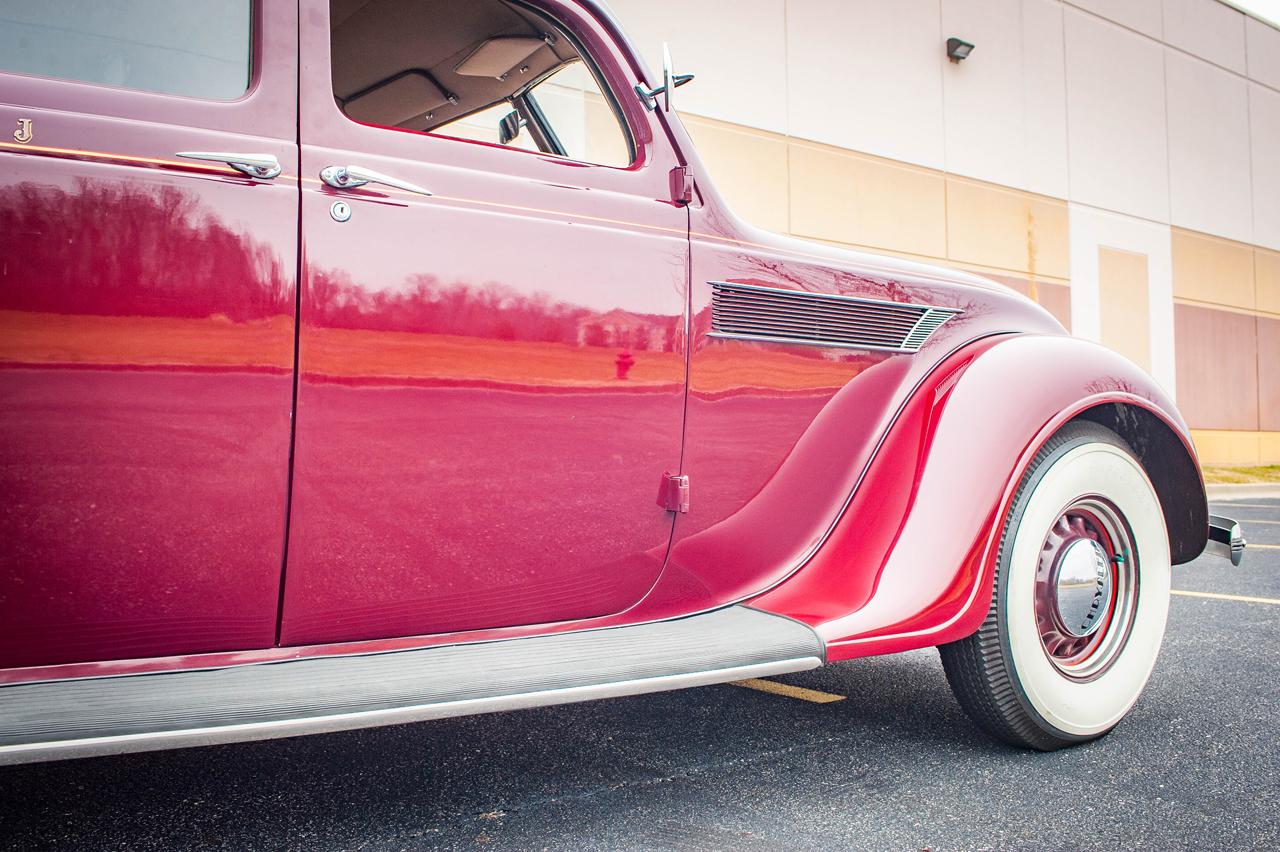 1935 Chrysler Imperial 49