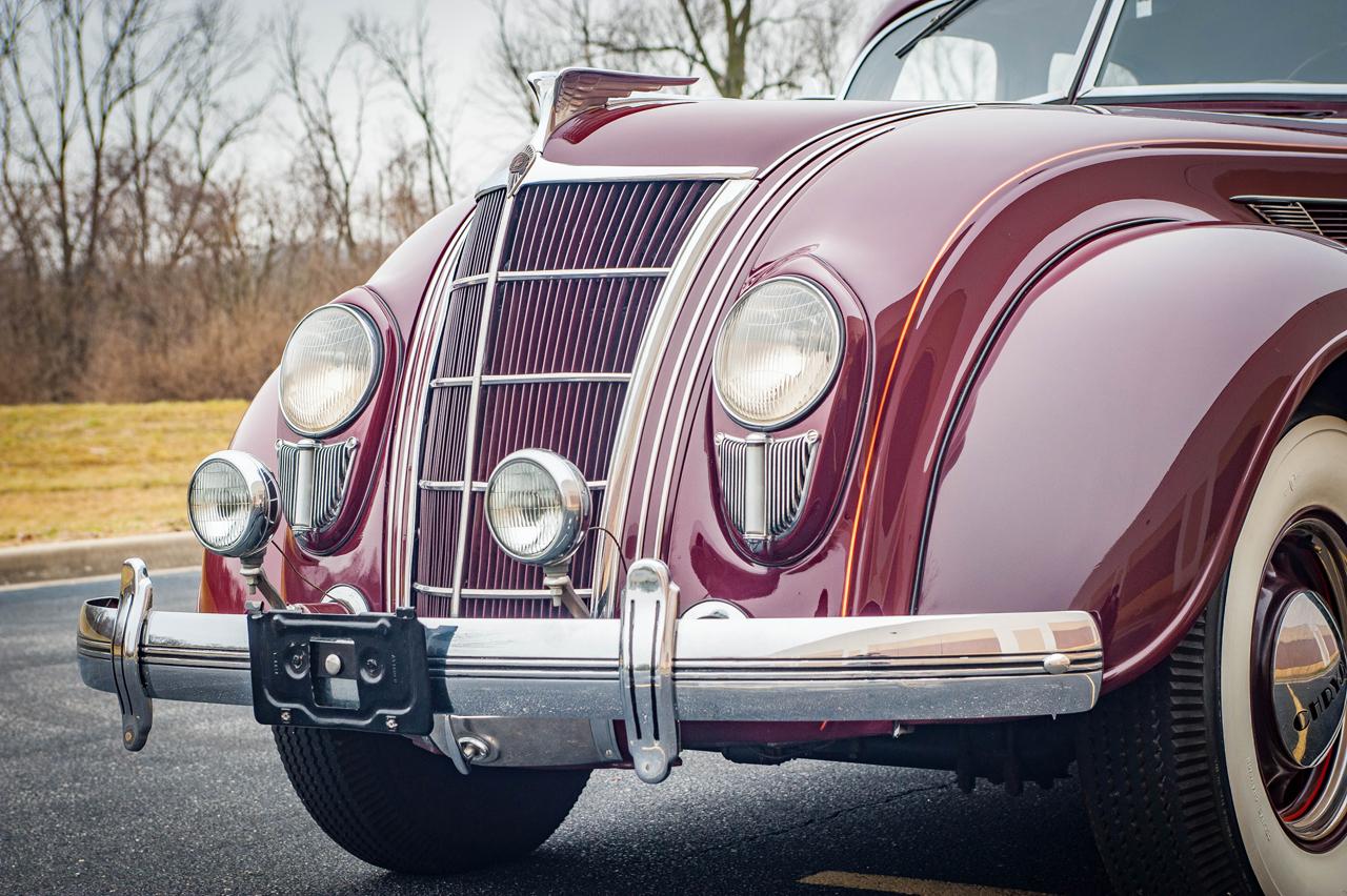 1935 Chrysler Imperial 24