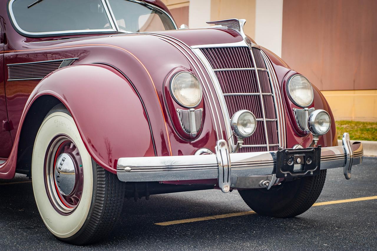 1935 Chrysler Imperial 25