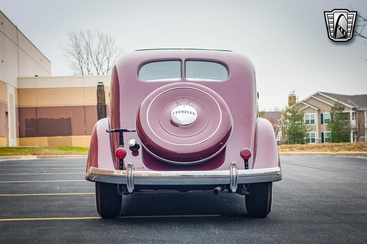 1935 Chrysler Imperial 8