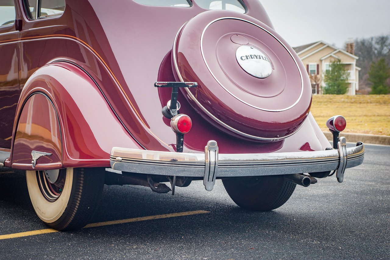 1935 Chrysler Imperial 26