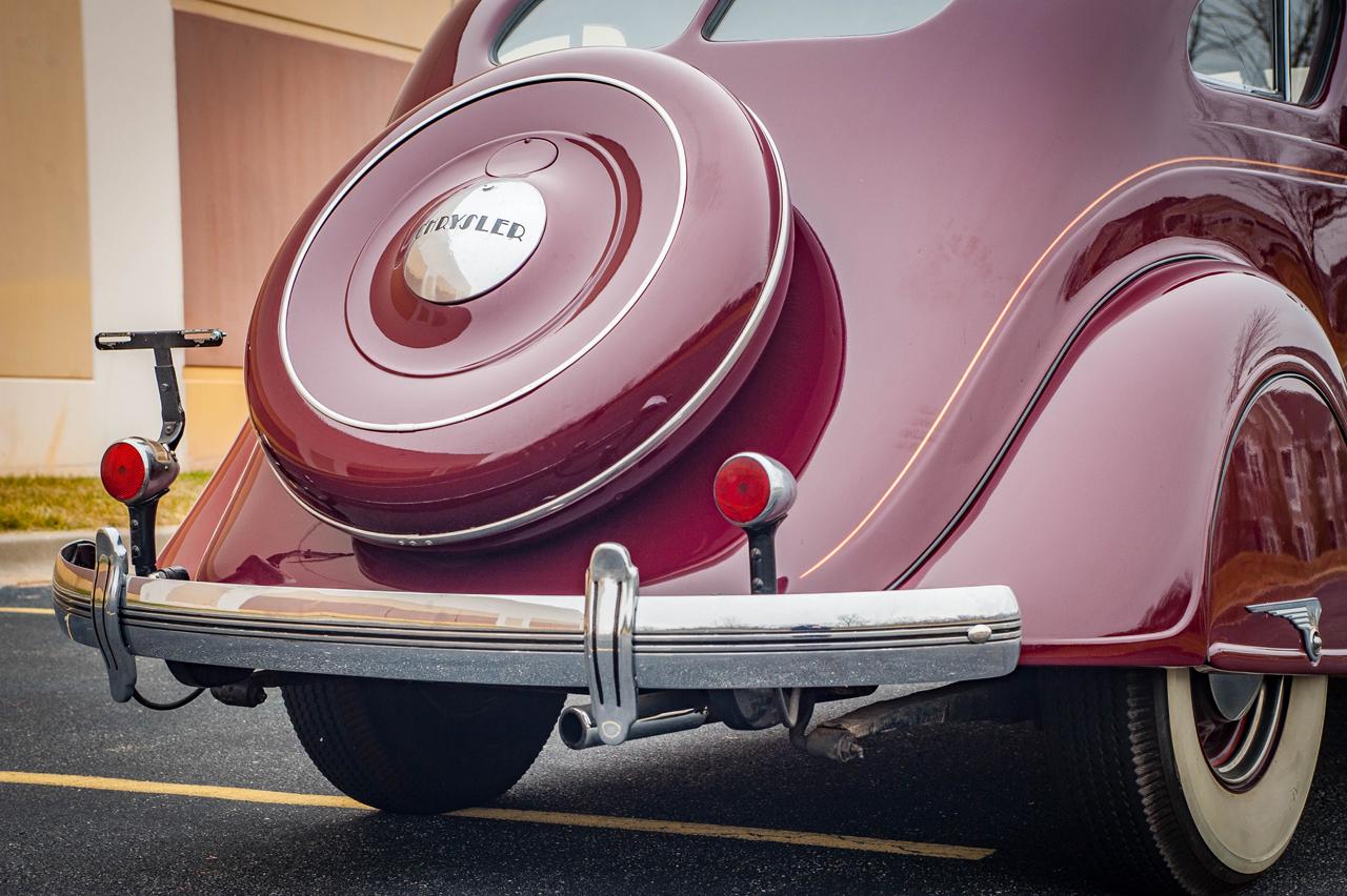1935 Chrysler Imperial 27