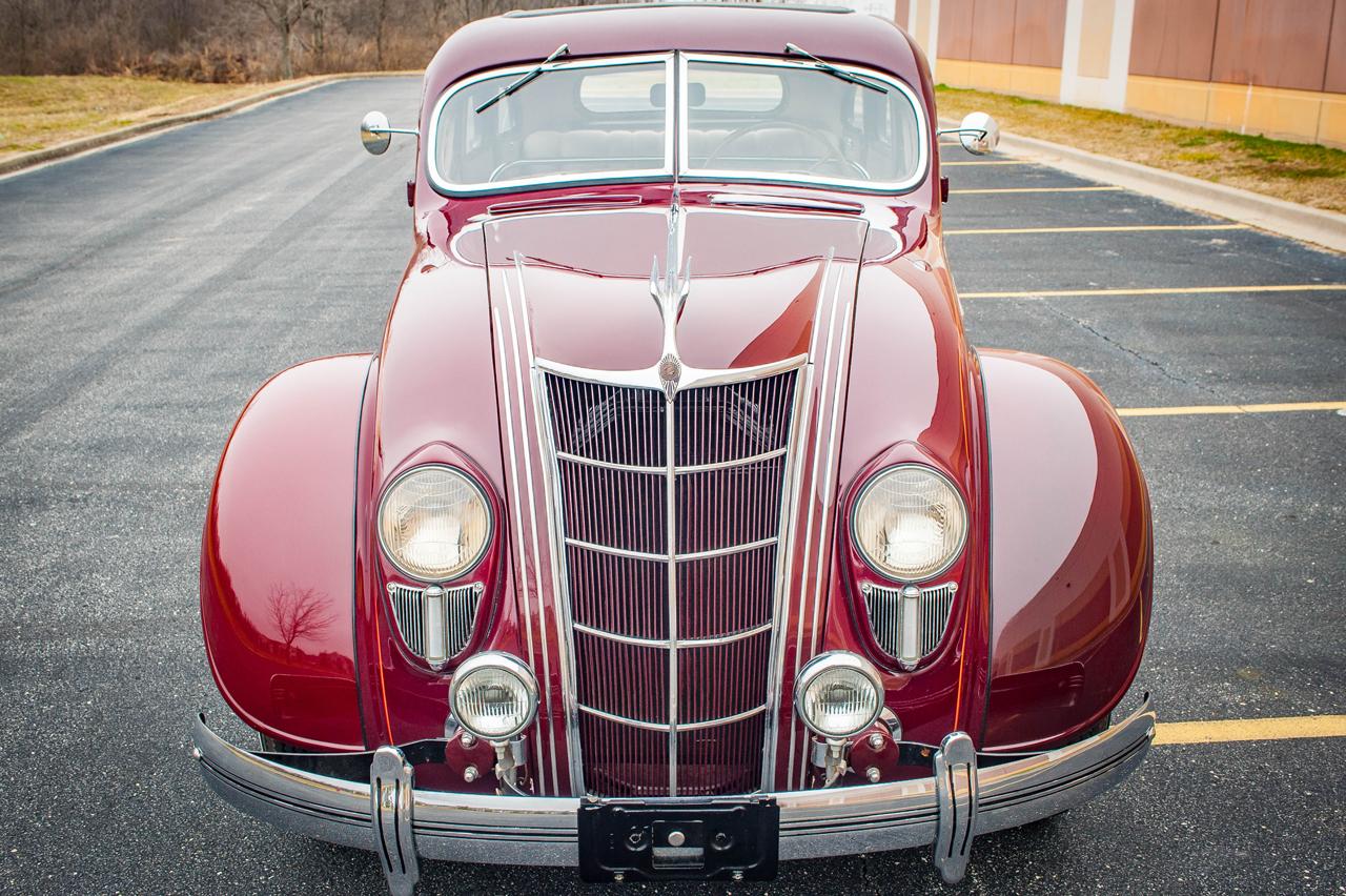 1935 Chrysler Imperial 28