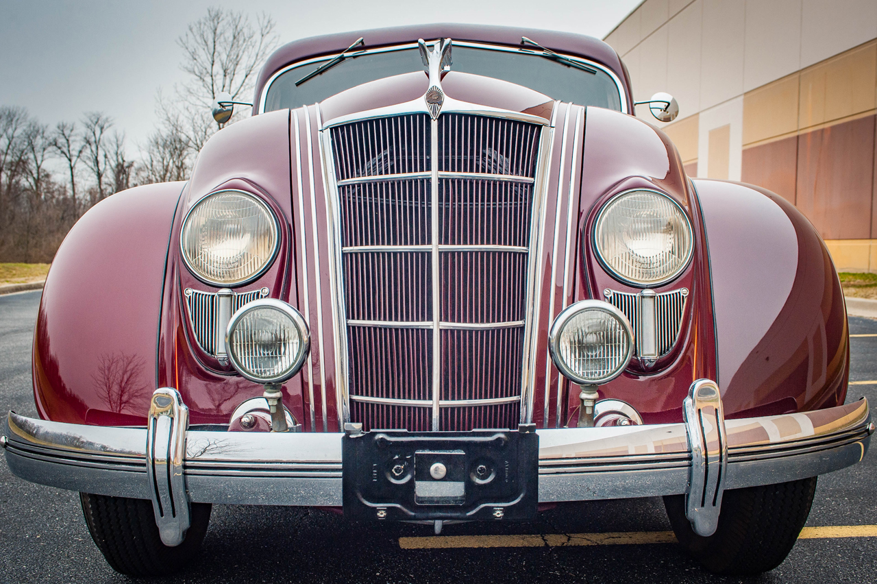1935 Chrysler Imperial 29