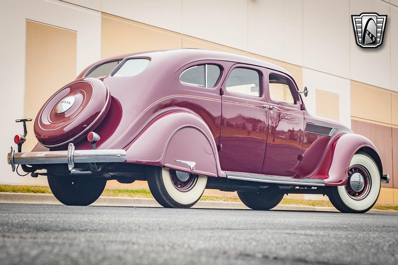1935 Chrysler Imperial 11
