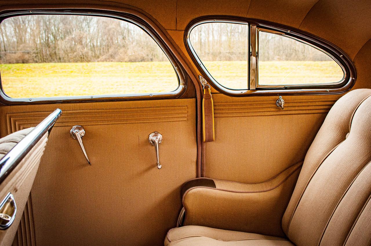 1935 Chrysler Imperial 79