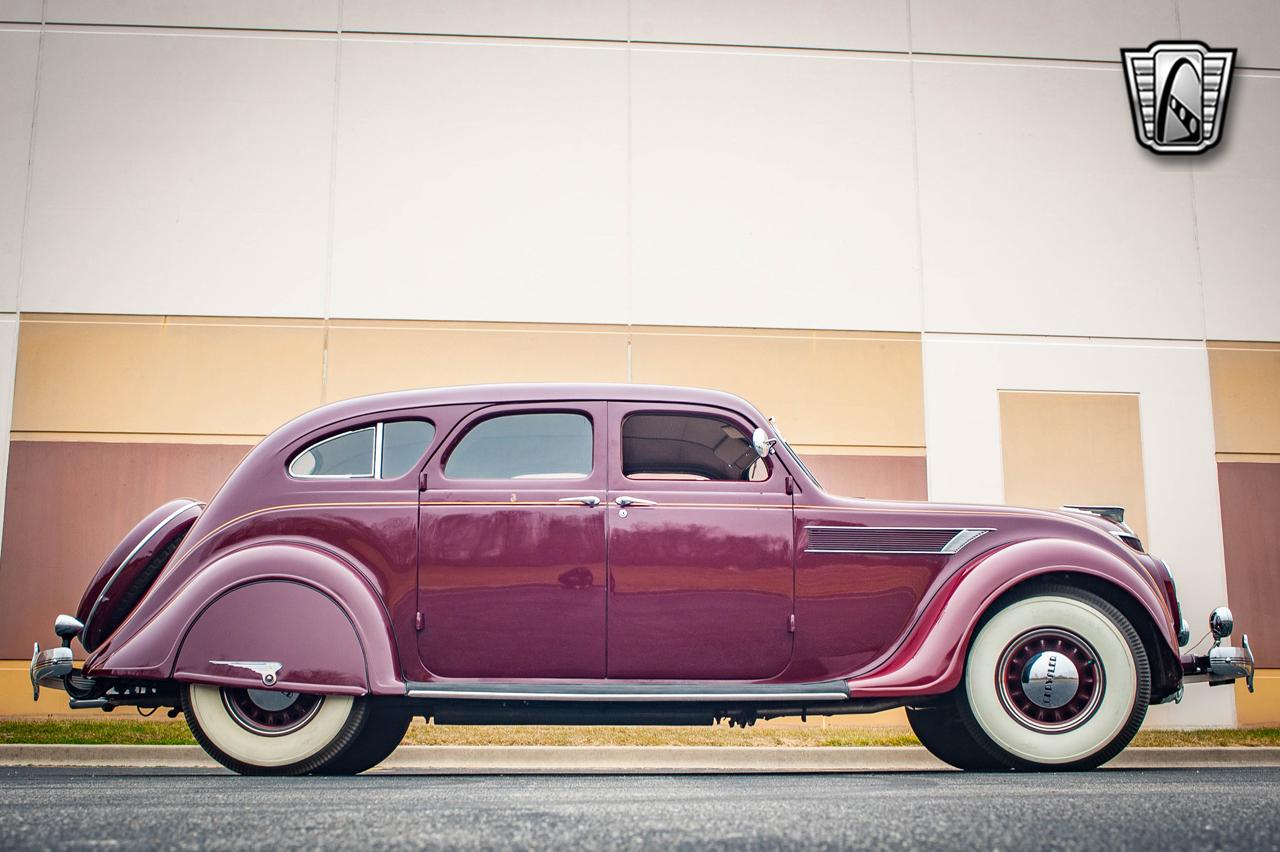 1935 Chrysler Imperial 13