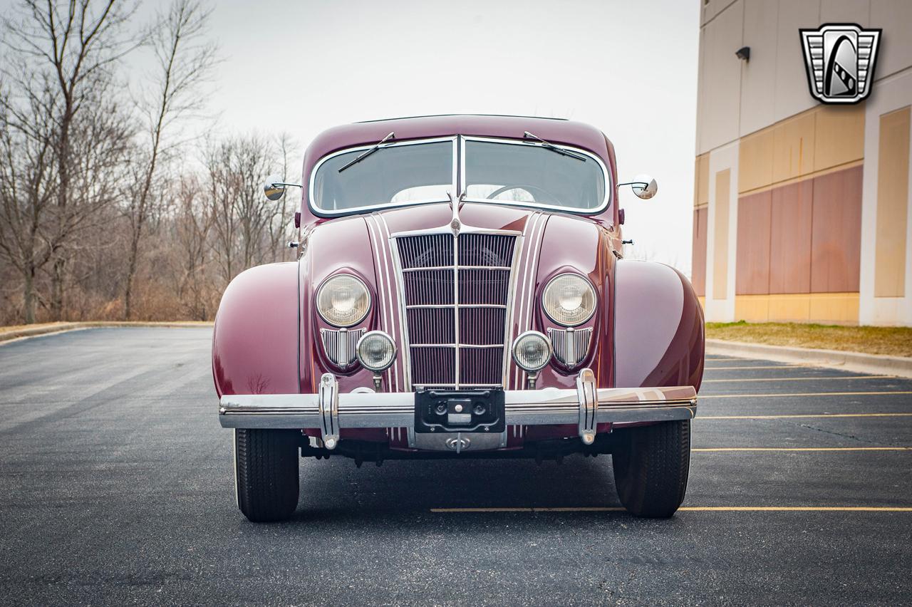 1935 Chrysler Imperial 16