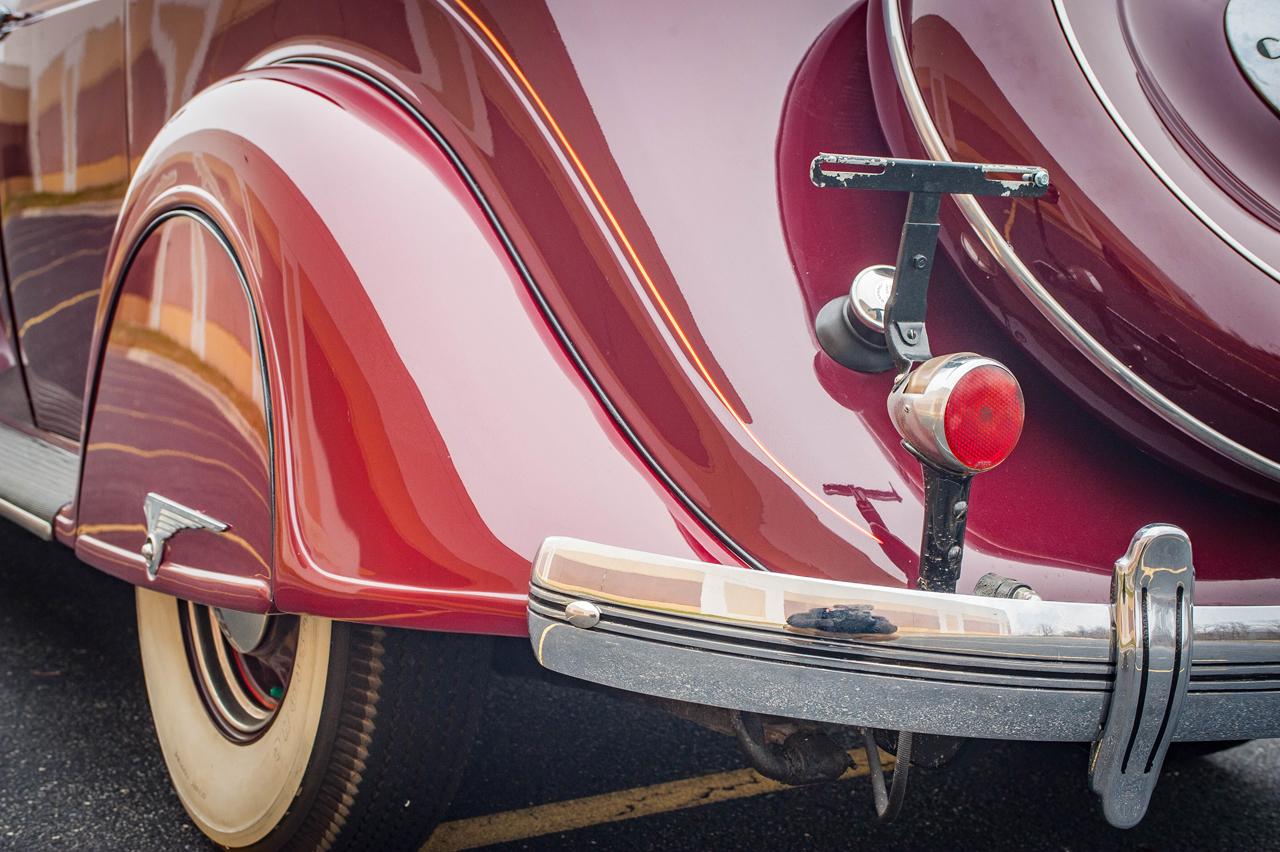 1935 Chrysler Imperial 41