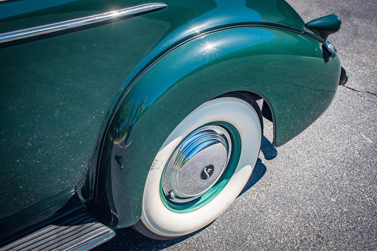 1939 Cadillac LaSalle 61
