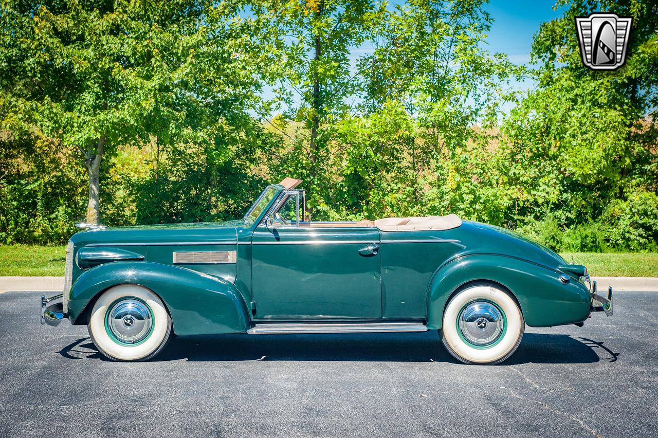 1939 Cadillac LaSalle 24