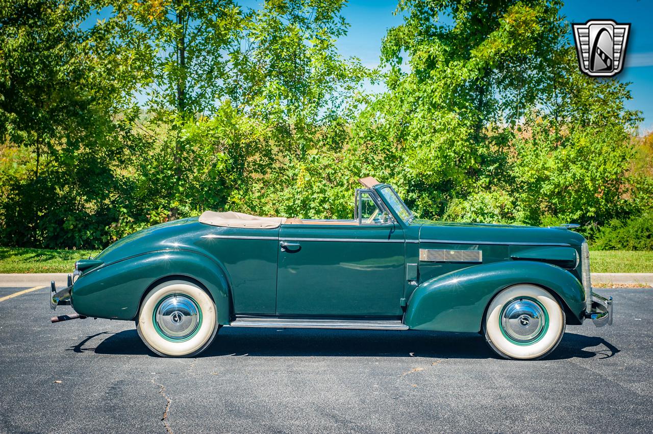 1939 Cadillac LaSalle 32