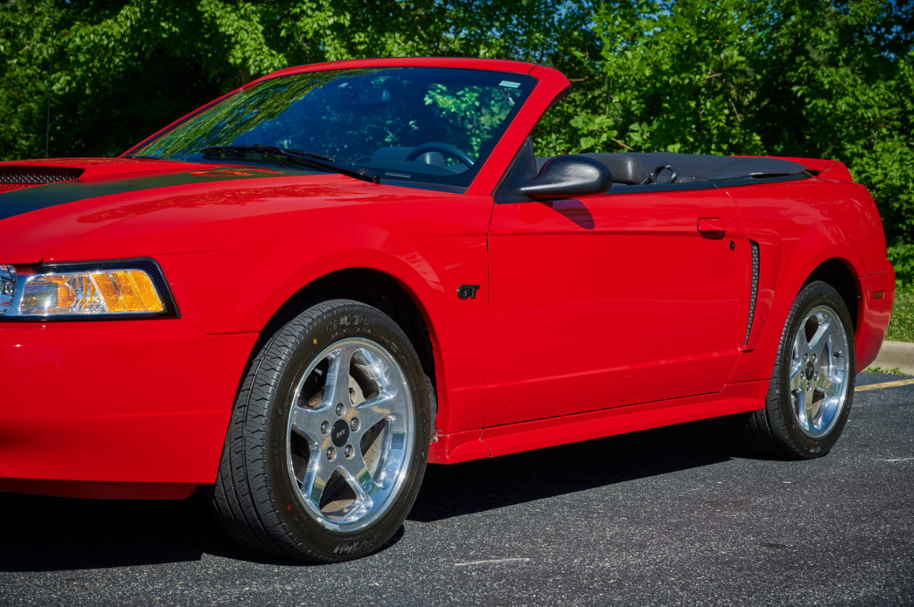 2000 Ford Mustang 45