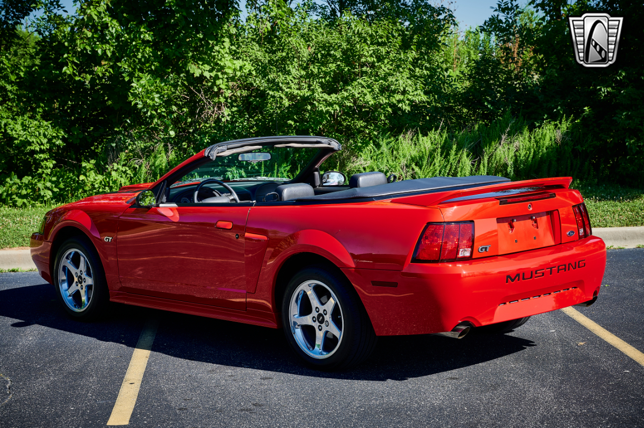 2000 Ford Mustang 26