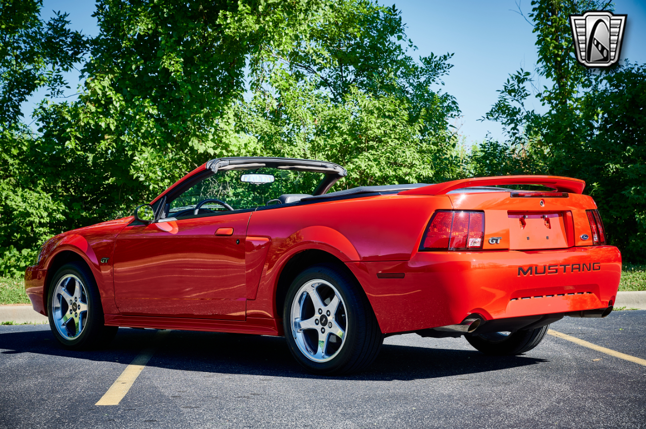 2000 Ford Mustang 27