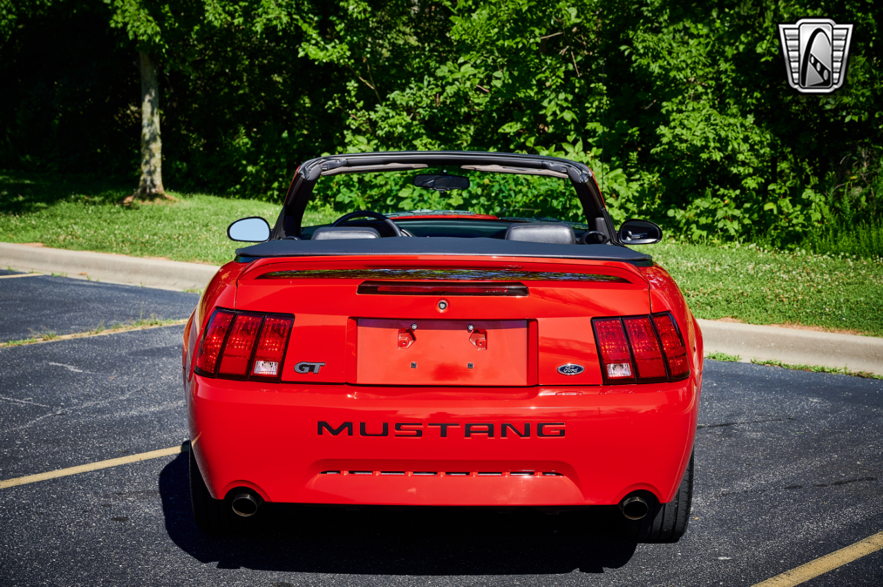 2000 Ford Mustang 5