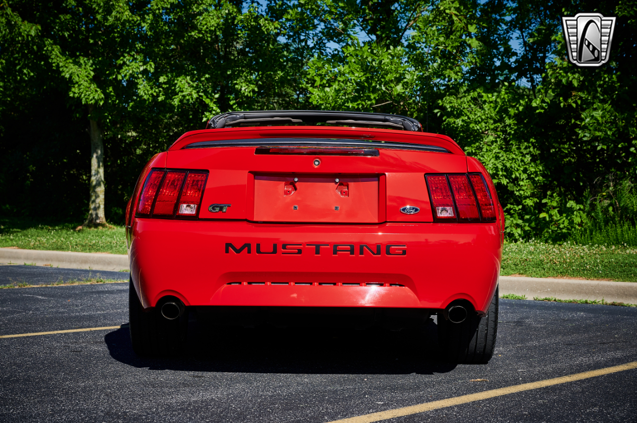 2000 Ford Mustang 28