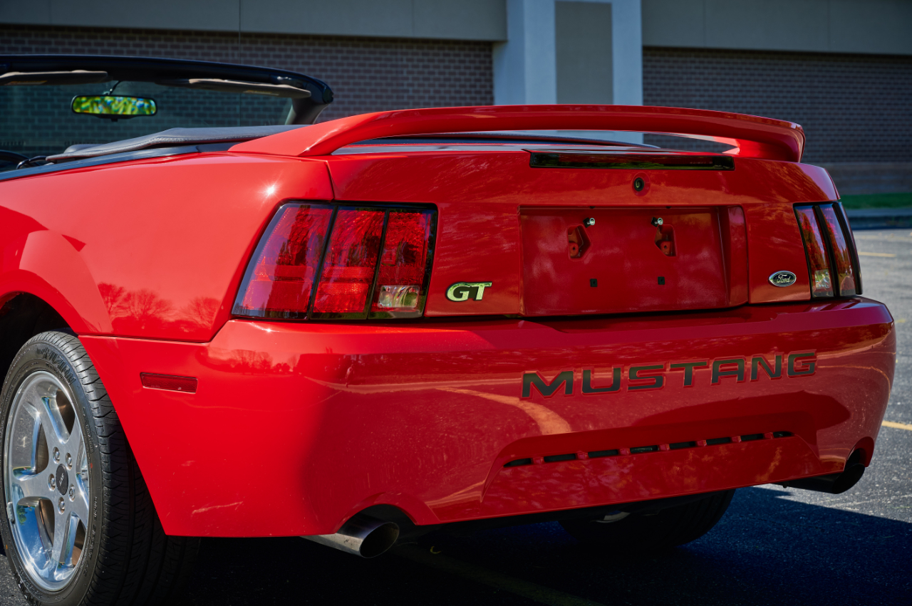 2000 Ford Mustang 50