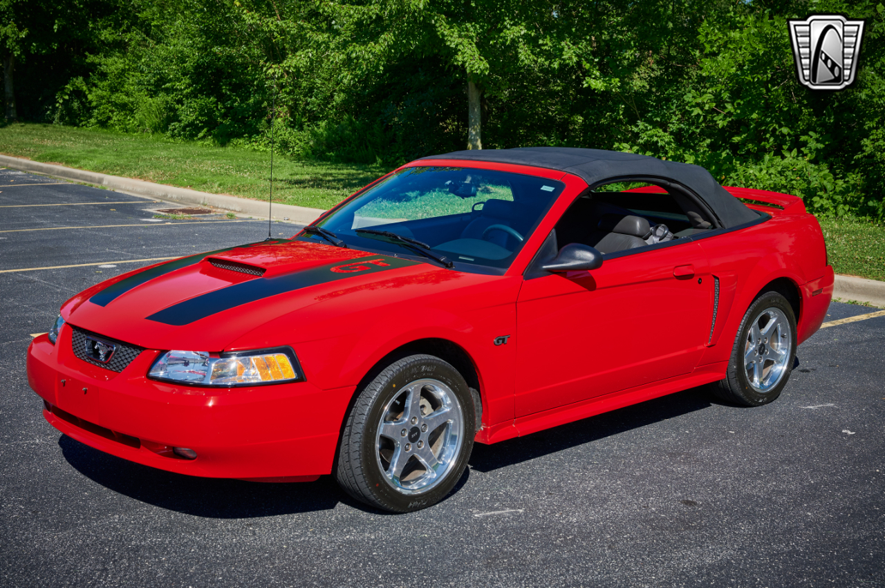 2000 Ford Mustang 8