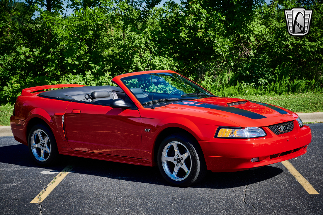 2000 Ford Mustang 34