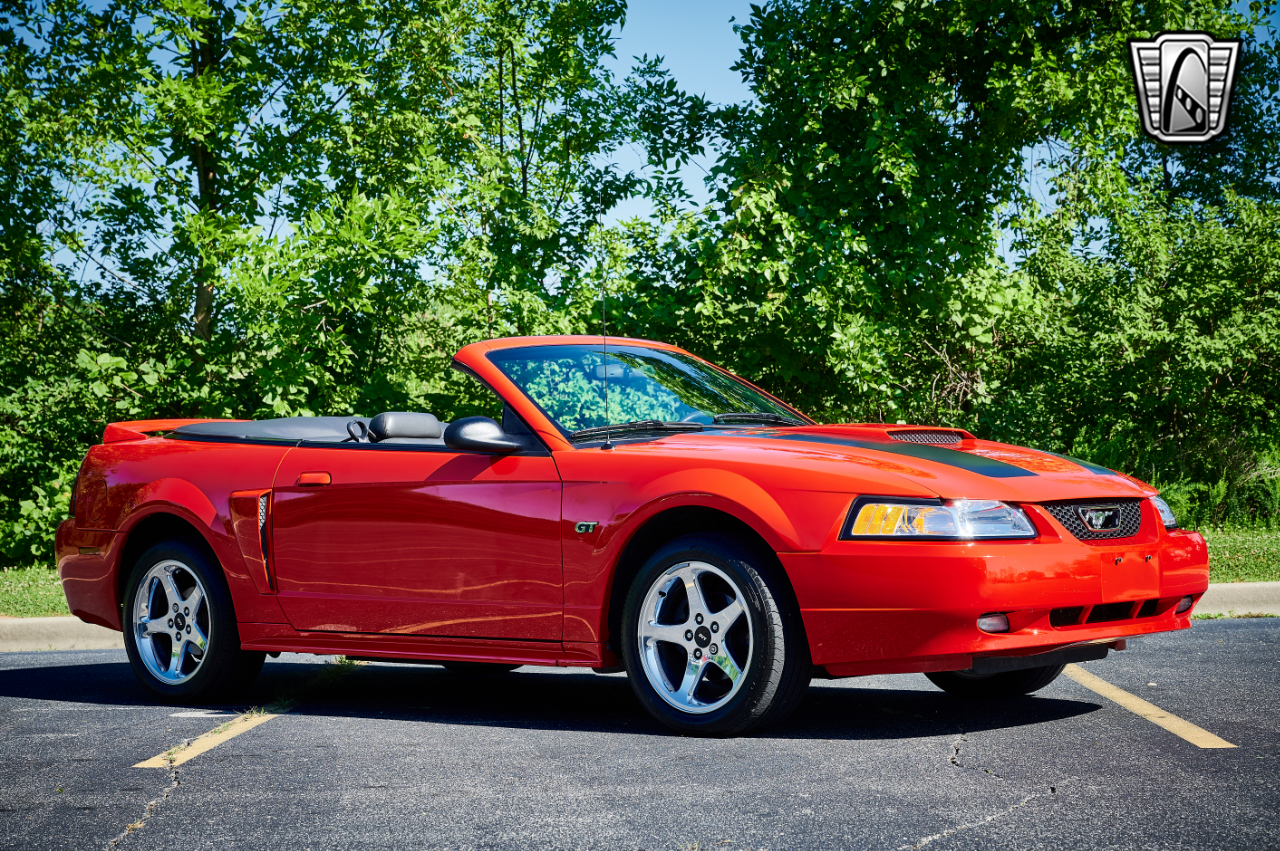 2000 Ford Mustang 14