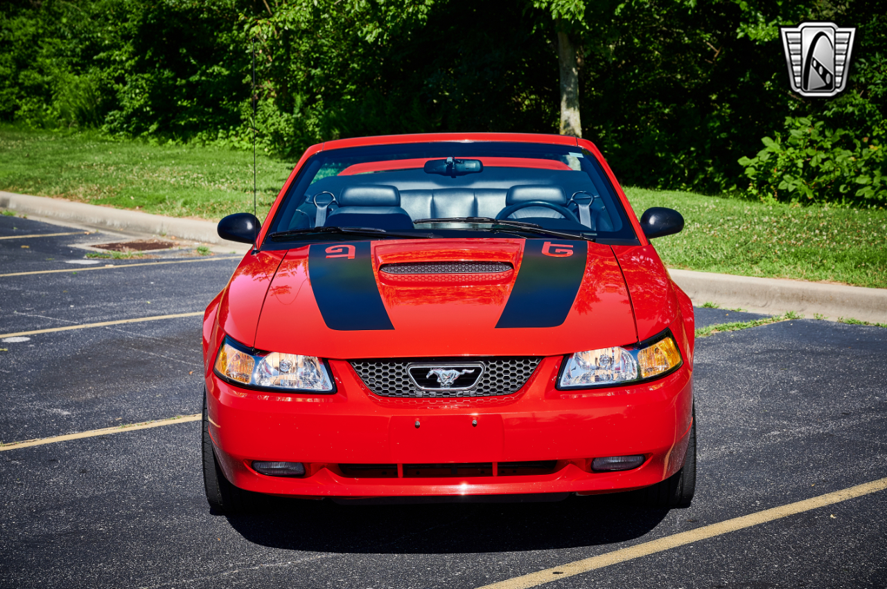 2000 Ford Mustang 16