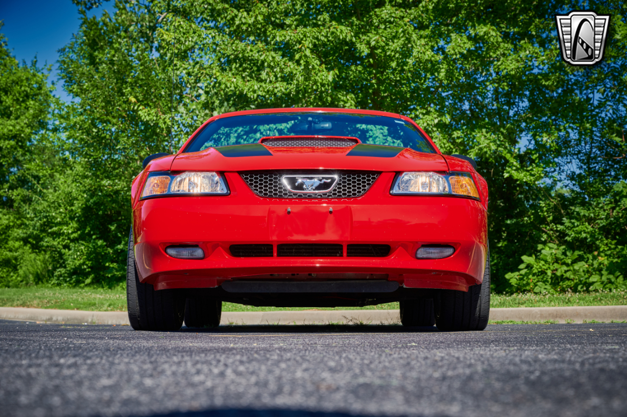 2000 Ford Mustang 37
