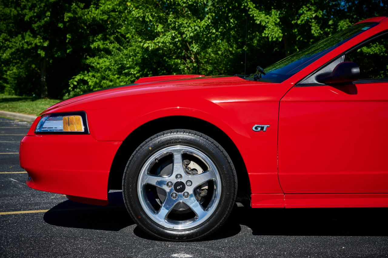 2000 Ford Mustang 38