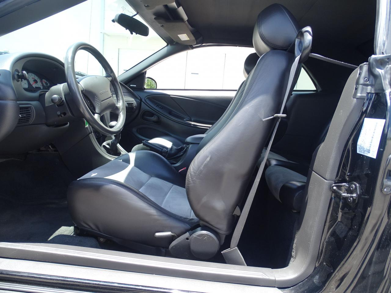 2003 Ford Mustang 43