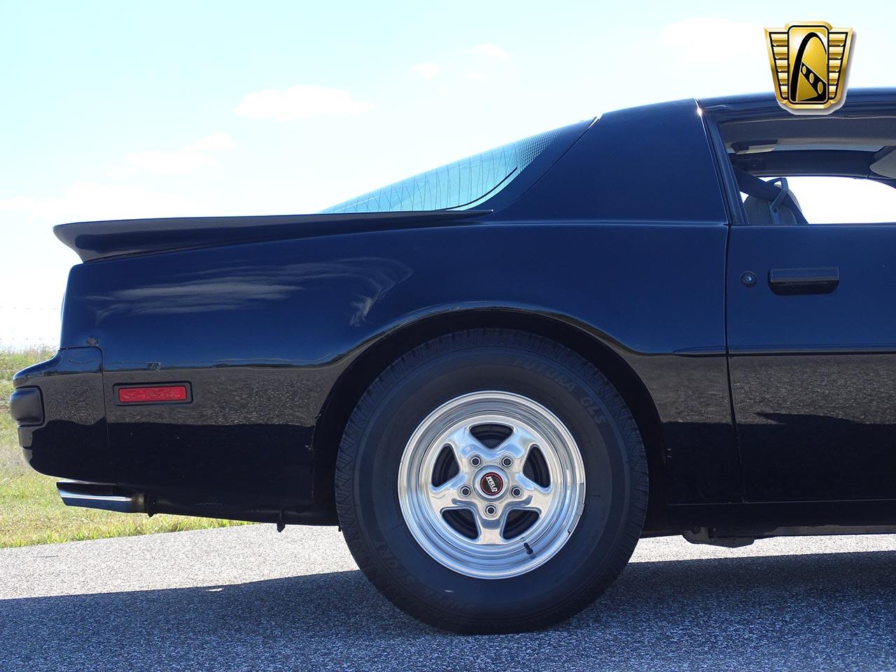 1987 Pontiac Firebird 23
