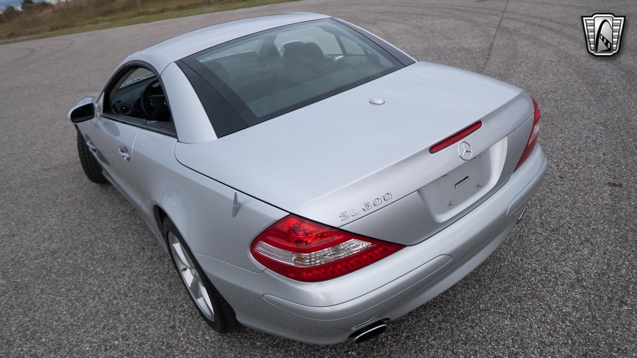 2007 Mercedes-Benz SL600 23